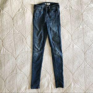 5/$35🍑 A&F High Rise Skinny Jeans